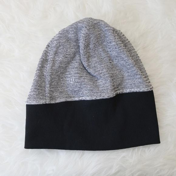 lululemon athletica Accessories - Lululemon Beanie Hat Soft Ponytail Hole  Black Gray b94eaba6cb1